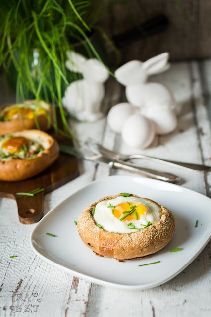 Ei im Brötchen Osterfrühstück Osterbrunch Ei im Backofen