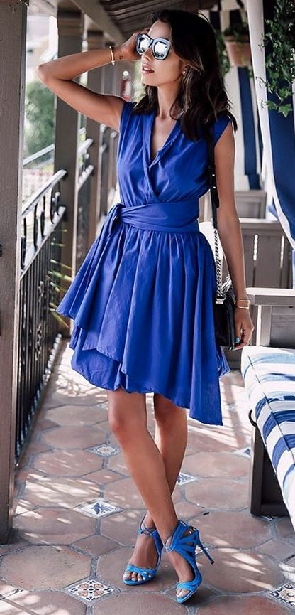 all blue everything: dress + bag + heels