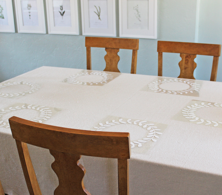 Make a personalized tablecloth with iron-on vinyl graphics