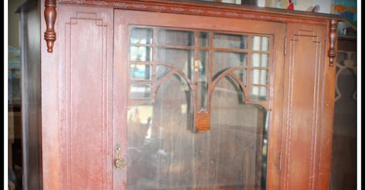 Shabby Chic China Cabinet-or updated for Linens!