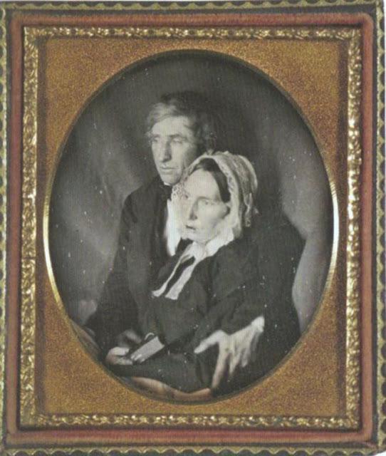 foto bersama istri yang telah mati
