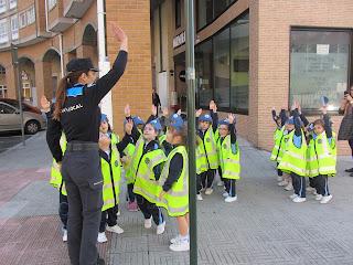 http://colexiocalasancias.es/album/educacion-vial-2o-e-i/