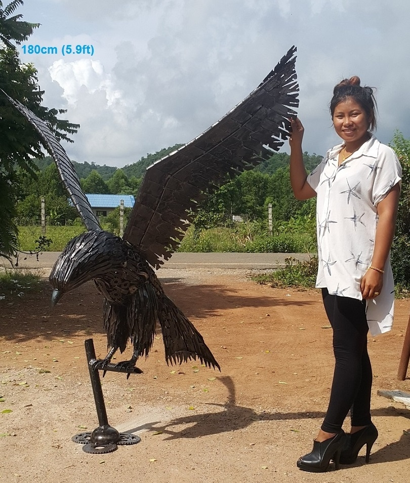 04-American-Eagle-Namfon-Suktawee-Animals-Art-made-by-Upcycling-Scrap-Metal-in-Thailand-www-designstack-co