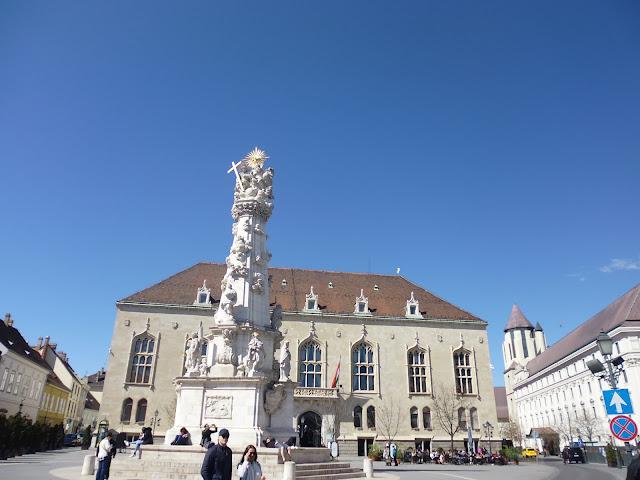 Plaza de la Santísima Trinidad (Budapest) (@mibaulviajero)