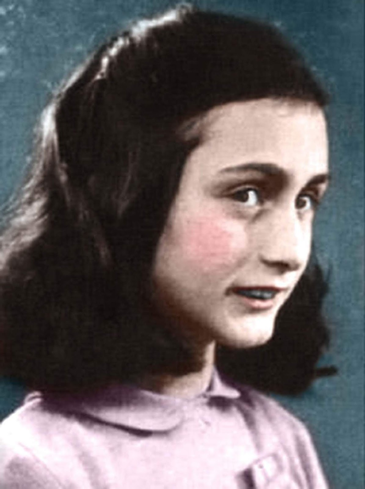 Anne Frank was born in Frankfurt, Germany, the second daughter of Otto Frank (1889–1980) and Edith Frank-Holländer (1900–1945).