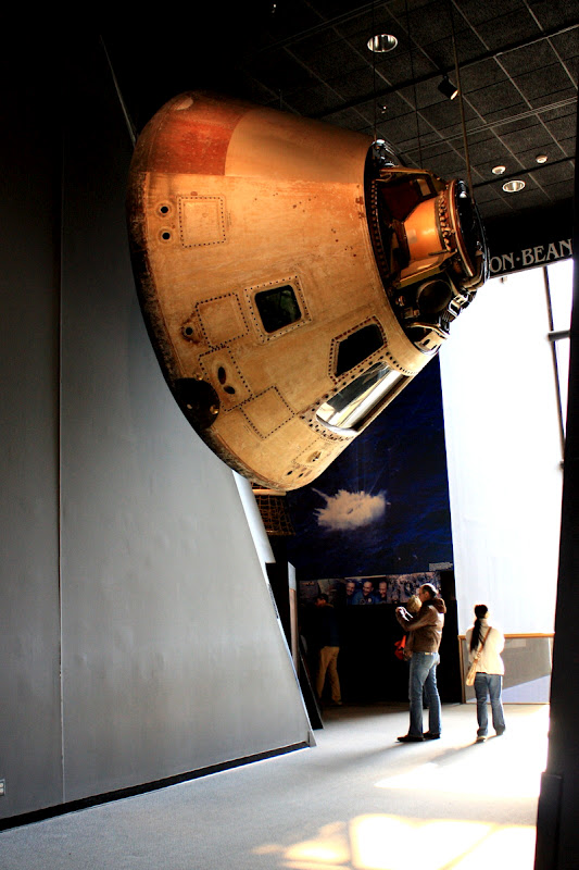 apollo 16 crew national air and space museum - 533×800