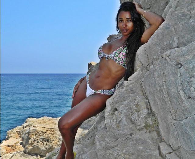 Julia Liers, Foto Bugil. Selfiie Bugil, Foto Telanjang, Polisi Cantik, Polwan Cantik, Julia Liers Nude, Julia Liers Naked