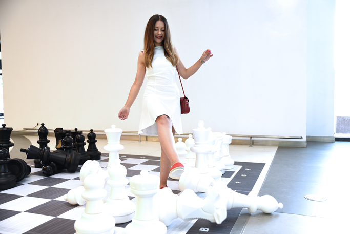 adina nanes let's play some chess