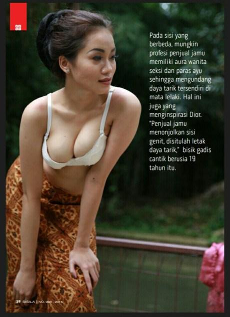 Alya Dior Penjual Jamu Seksi Pamer Buah Dada 2