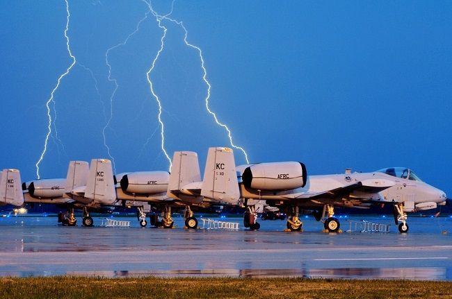 thunderstorm plane