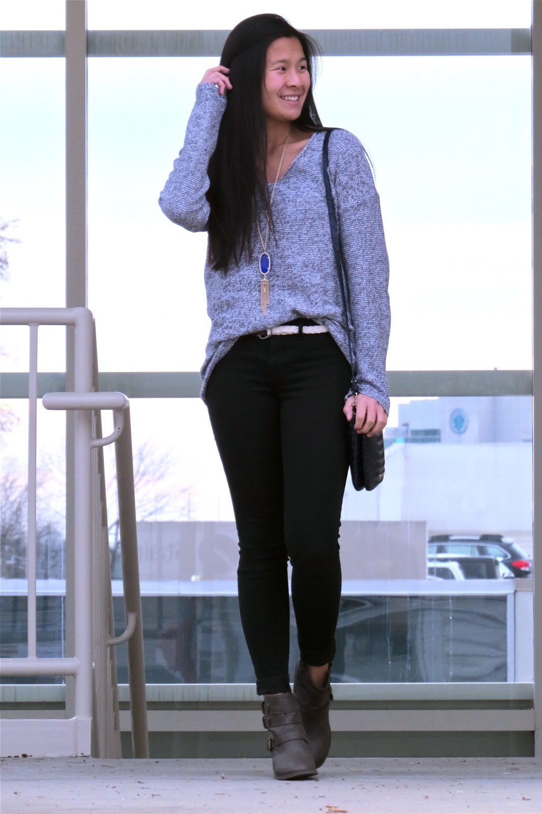how_to_style_an_oversized_sweater