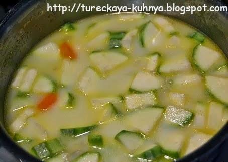 густой суп из кабачков с морковкой и луком