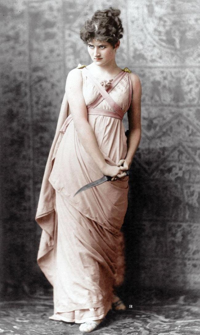 Hình ảnh phụ nữ ngày xưa và ngày nay_6