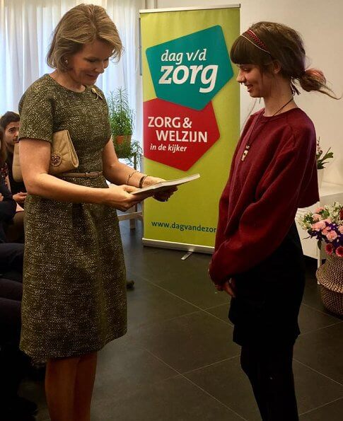 Queen Mathilde of Belgium visited the Centrum Molenmoes in Rotselaar and De Switch in Holsbeek, a part of two visits for De Wissel
