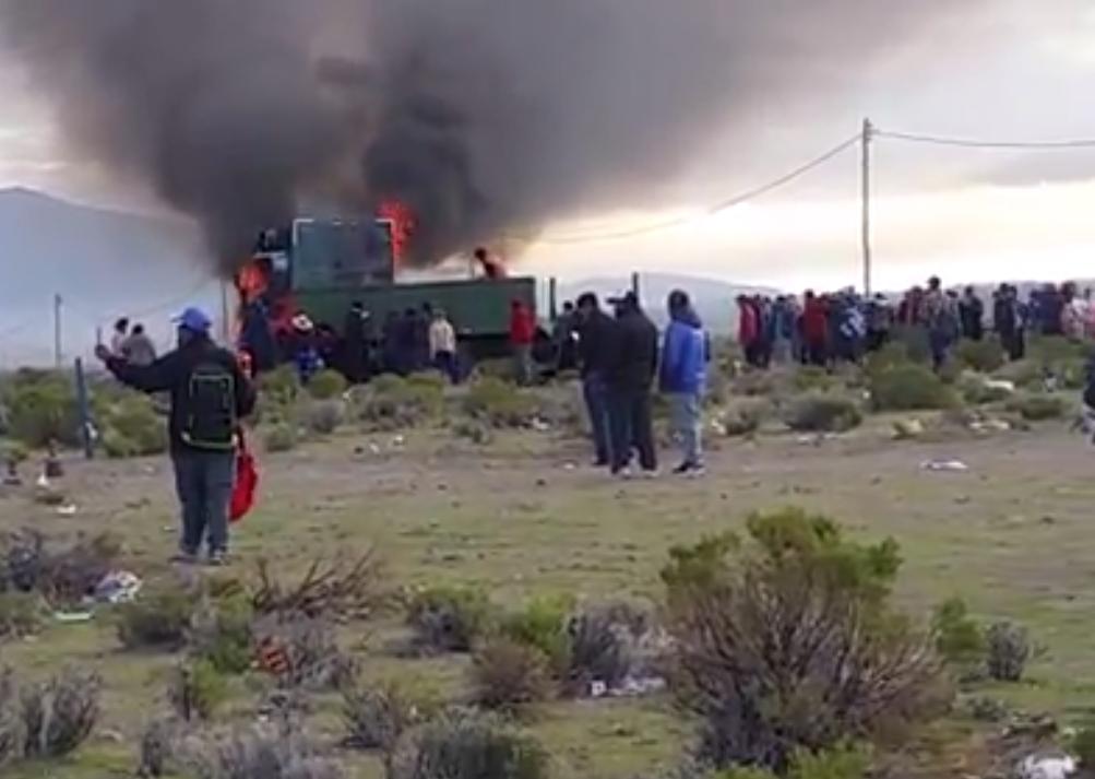 Imágenes de uno de los tres camiones particulares quemados por la FTC / RRSS