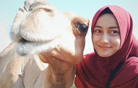 Nadya Ulya Pakai Hijab