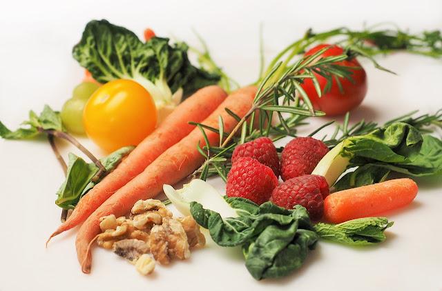Vegetarische und vegane Lebensmittel mit viel Eiweiß