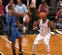 Kyle O'Quinn throws basketball in Andray Blatche's face