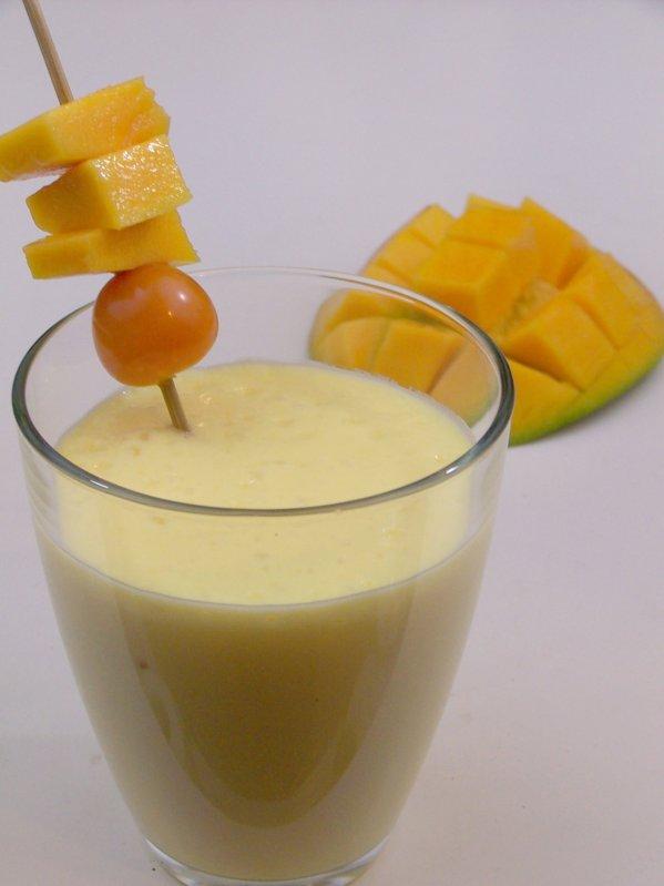 lecker bentos und mehr mango lassi genauso lecker wie erfrischend. Black Bedroom Furniture Sets. Home Design Ideas