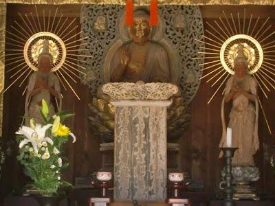 常楽寺釈迦三尊像