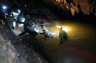 http://vnoticia.com.br/noticia/2916-mergulhador-tailandes-morre-em-operacao-de-resgate-dos-12-meninos