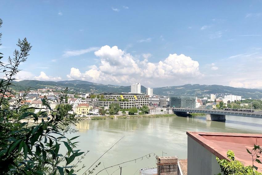 Blick Richting Donau von der oberen Hofgasse aus