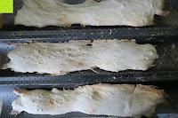 fertig: Amazy Baguette-Backblech – Die antihaftbeschichtete Back-Form zur Herstellung von Baguette und weiteren Gebäcken