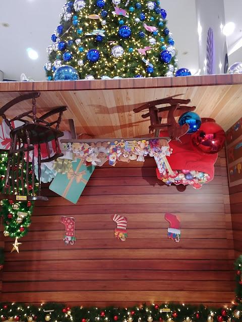 Christmas decoration, Harbour Front, Singapore