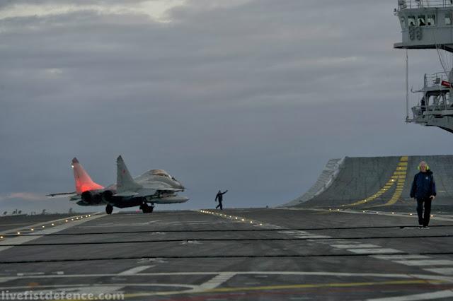 Resultado de imagen de MiG-29K de fabricación rusa despegarán del único portaaviones operacional de La India, el INS Vikramaditya