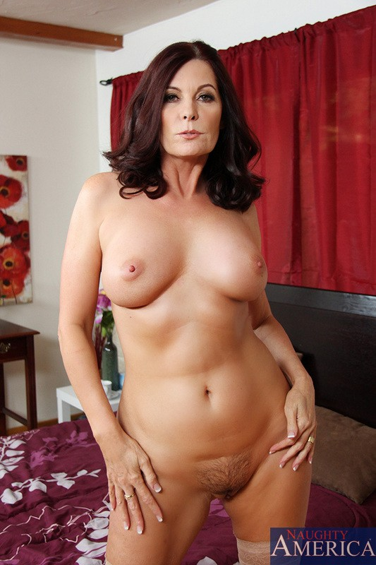 Nude brunette milf, indian guy fuck white pussy