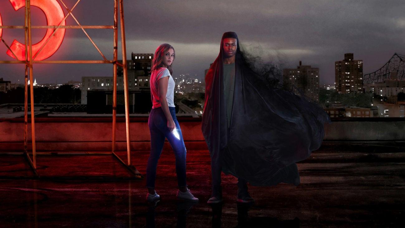 Olivia Holt y Aubrey Joseph en Cloak & Dagger