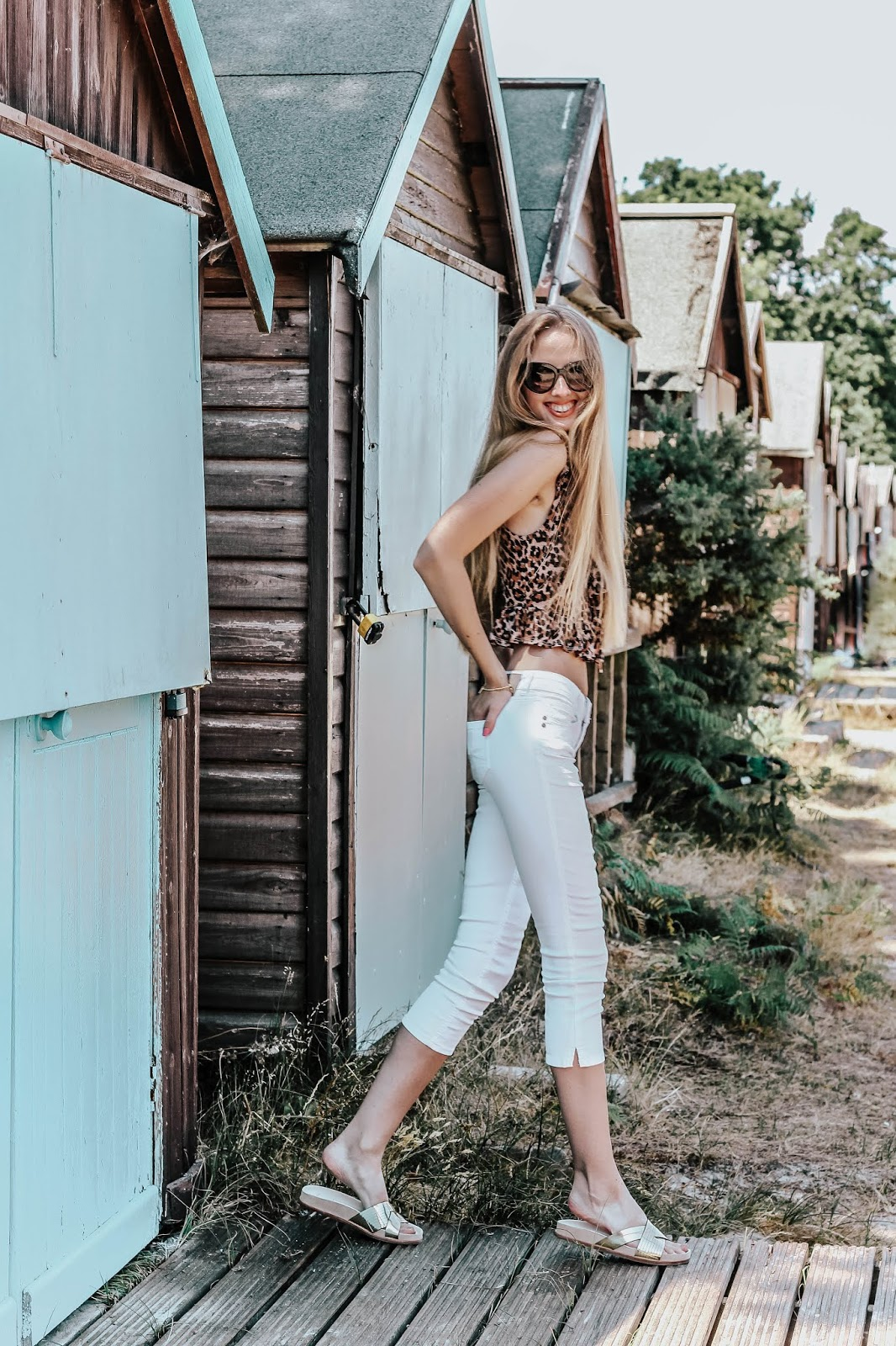 Styling Cropped White Denim Jeans in Summer 2018