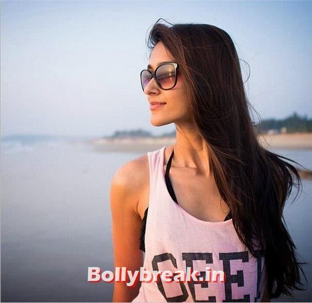 ILeana De Cruz on Goa Beach, ILeana De Cruz Goa Vacation Pics