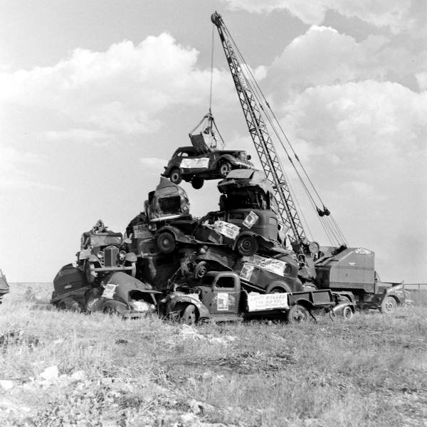 Winston Salem Cab >> 50 Vintage Photos of Classic Car Salvage Yards and Wrecks From Between the 1940s and 1950s ...