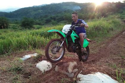 Pertama kali belajar bawa motor gestreck (Motor Cross) di bukit belakang rumah (Gunung Suling)