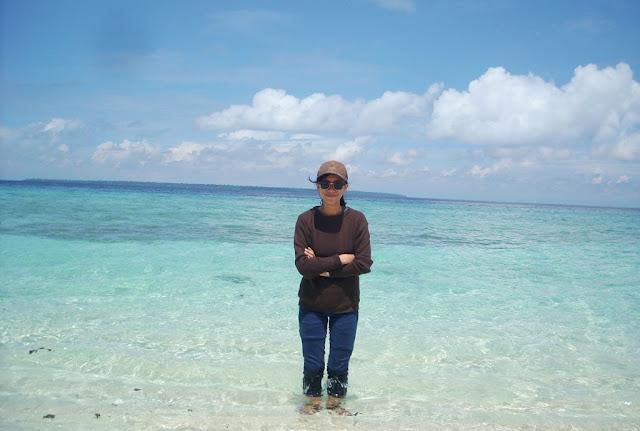 Jernihnya air laut Pantai Balanan Situbondo
