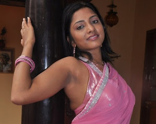 Kamna Jethmalani Pink Hot Saree Photos