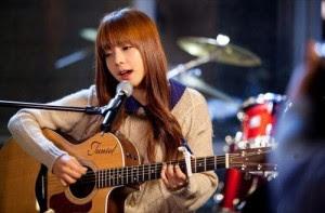 Điểm khác nhau giữa đàn guitar cổ điển và đàn guitar đệm hát