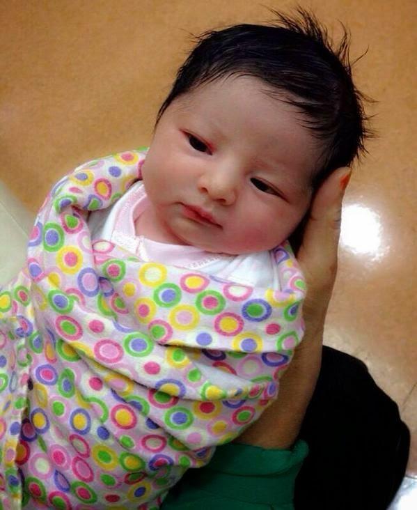 Gambar Rozita Che Wan Bersama Baby Comel Selepas Bersalin