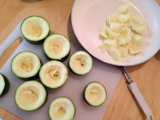 Calabacines relleno en frío, preparación 1