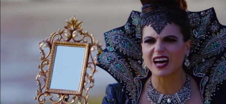 OUAT 6x06 La Reina Malvada confiesa haber cambiado los espejos