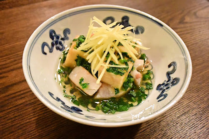 Koyadofu no ageyaki to renkon no horenso-an / fried freeze-dried tofu and lotus root with spinach dashi sauce