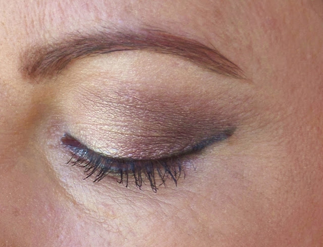 eye shadow with dark corners, Jill Suzanne makeup artist