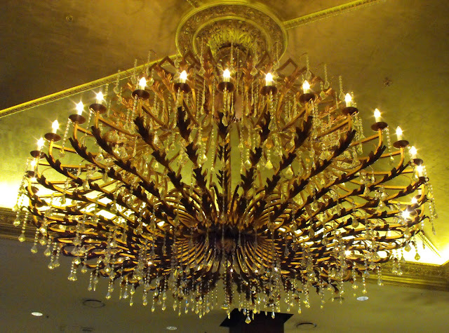 Huge chandelier in the Winery at the Langham