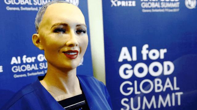 Bir robota vatandaşlık veren ilk ülke, Suudi Arabistan
