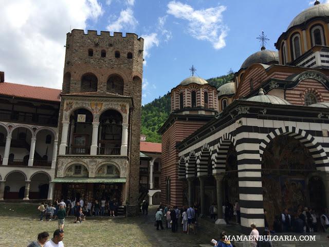 Torre Hrelyova Monasterio de Rila Bulgaria
