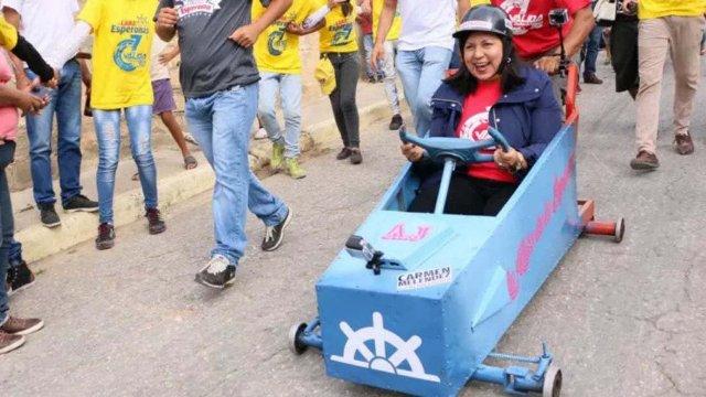 Hacer el ridículo, la última estrategia del chavismo para ganar votos (Vídeos)