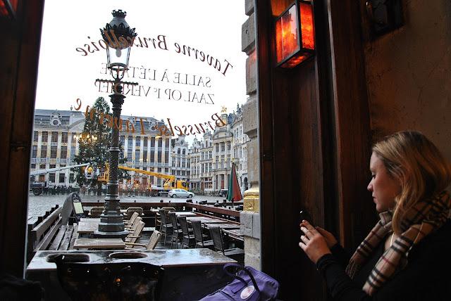 Frühstück im La Brouette mit Blick auf den Grand Place