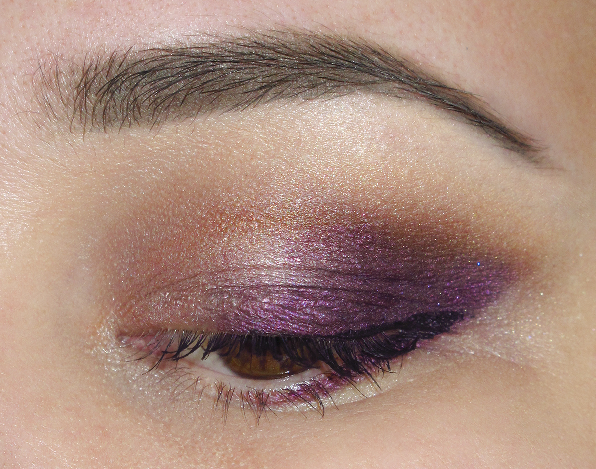 quick two shade look with Irresistibly Plum and Soiling the Fun