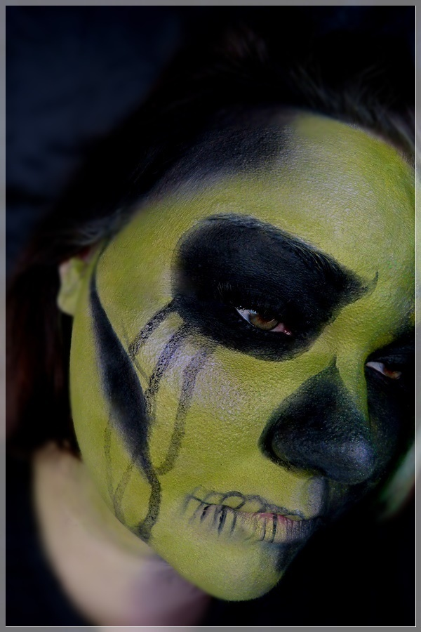 creative skull makeup look